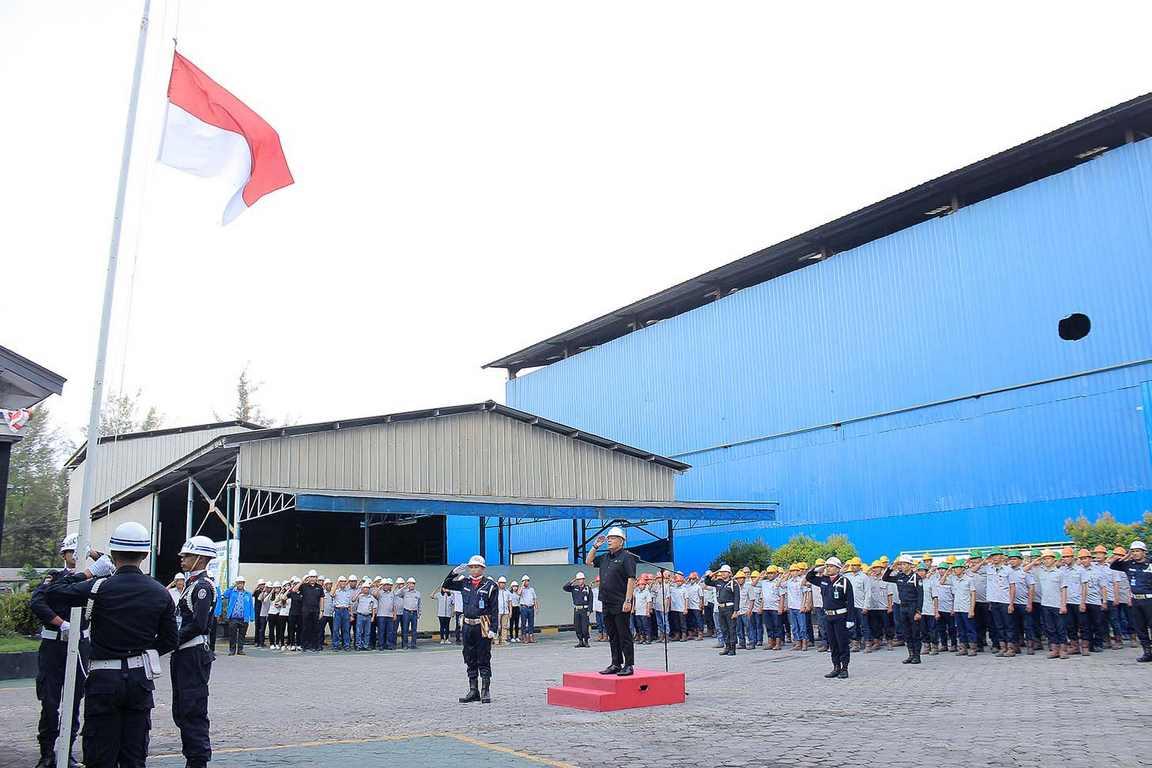 RBT Gelar Upacara HUT ke 74 RI di Halaman Pabrik di Kawasan Industri Jelitik Sungailiat Bangka